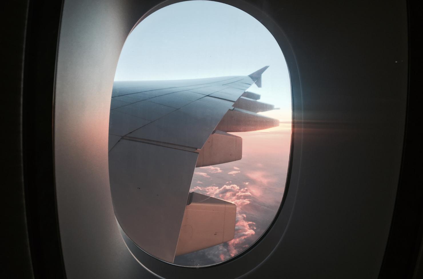 low budget vakantie, vliegtuig